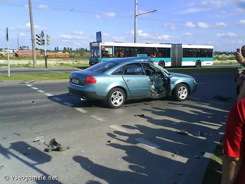 Фотографии нашумевшей аварии в Гомеле. Фотографии и комментарий